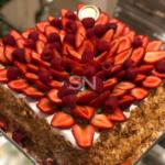 Torta Folhada com Cremes e Frutas Vermelhas